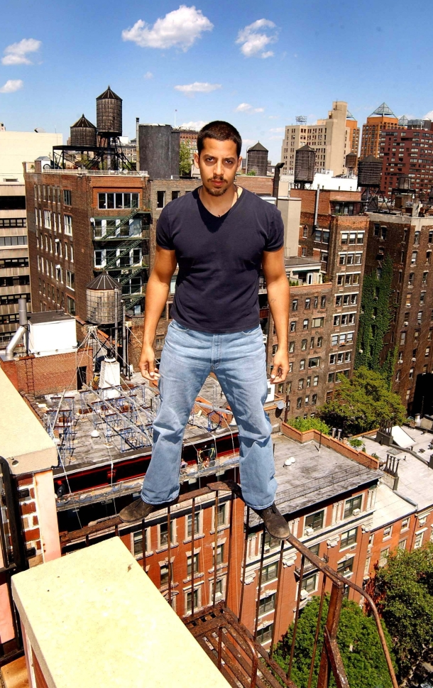 A-hair-raising-photo-shoot-with-magician-David-Blaine.jpg